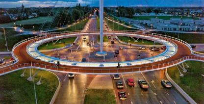 1ªrotonda colgante para bicis del Mundo, Eindhoven (Holanda)